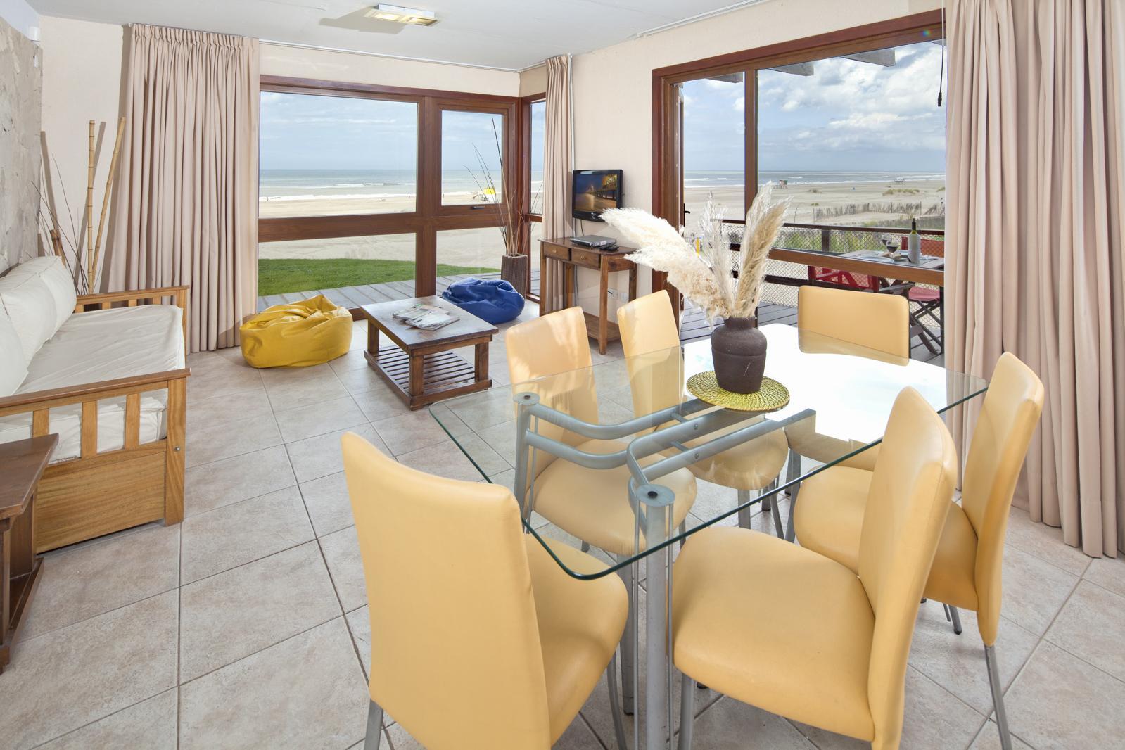 salón de Alta Playa apart hotel mar de las pampas