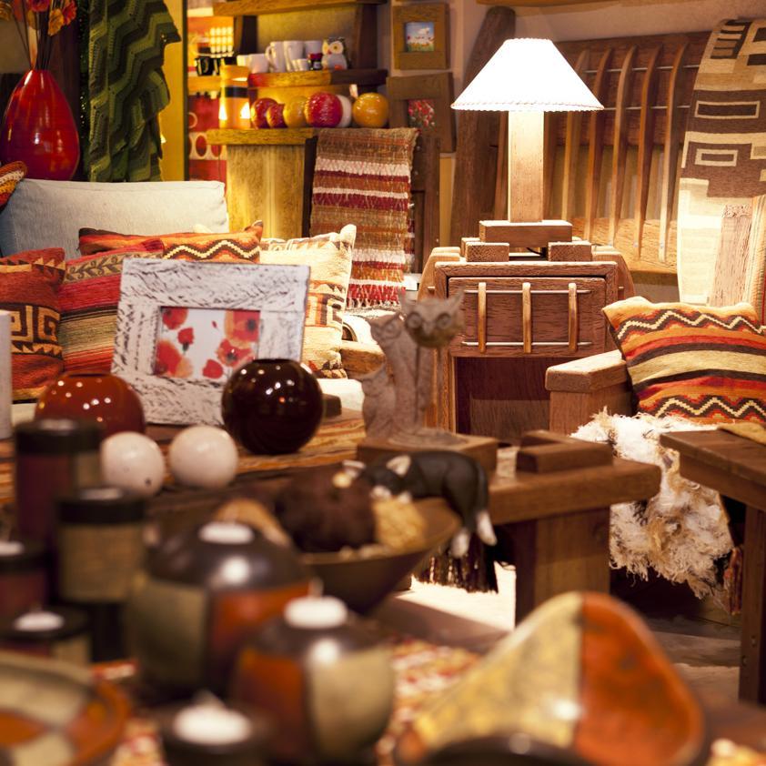 Muebles artesanales hechos a mano ilCaro