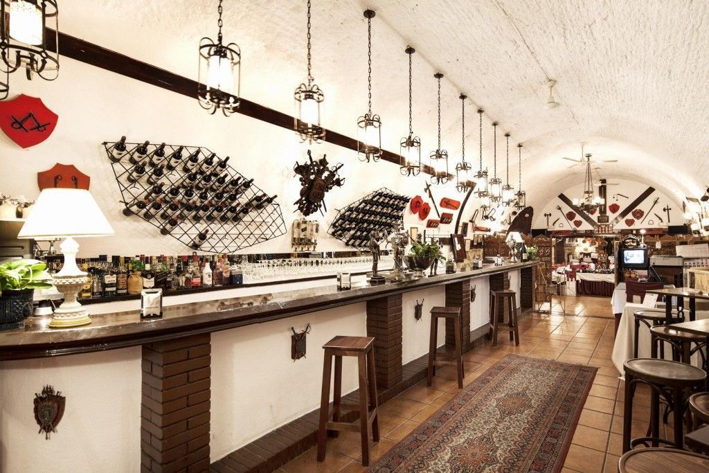 fotografías de restaurante la Muralla Melilla - Fotografía de Andreas Grunau.