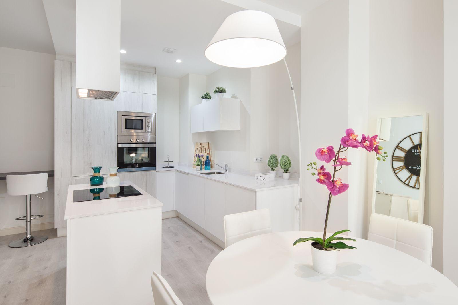 Visite este nuevo y exclusivo piso moderno en m laga for Decoracion piso moderno