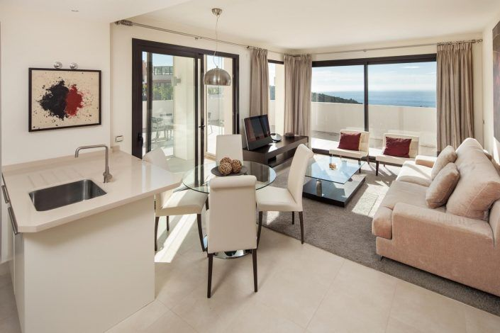 salon de atico, fotografo andreas grunau, fotografo para inmobiliaria, real estate photographer, atico en marbella