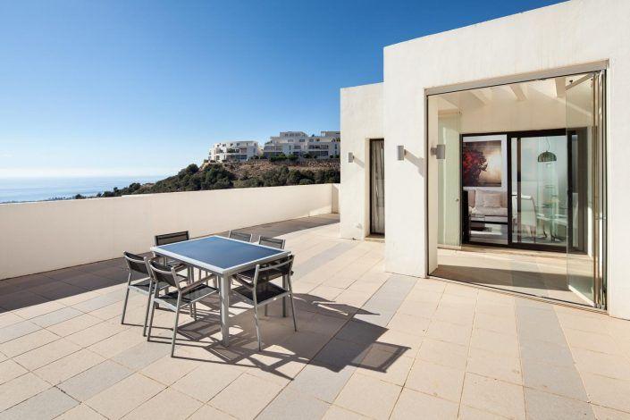 fotografo malaga, imagenes atico en marbella, terraza con vistas, andreas grunau, fotografo para inmobiliaria, real estate photographer, atico en marbella