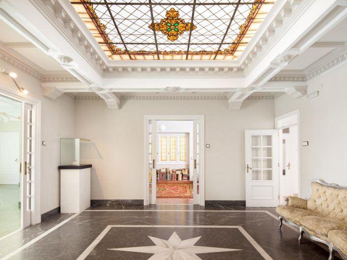 la casa de grund, andreas grunau, salón con vidrieras, salón antiguo, fotografo de interiorismo