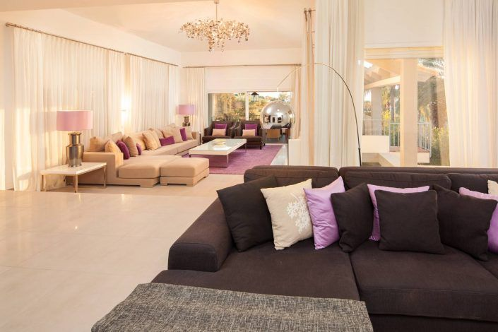 fotografo andreas grunau, salón moderna, villa de lujo, real estate photographer, photographer in marbella, modern living room