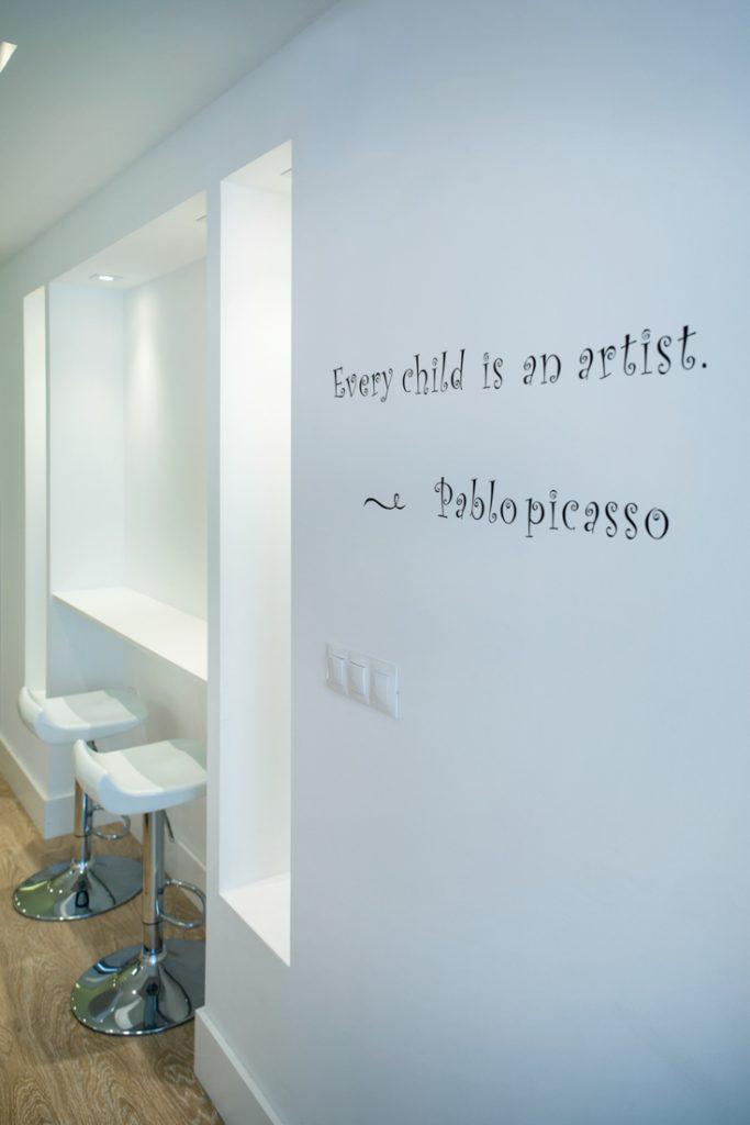 tipografia en muro, decoración con tipografía, letras en muro, fotografo andreas grunau