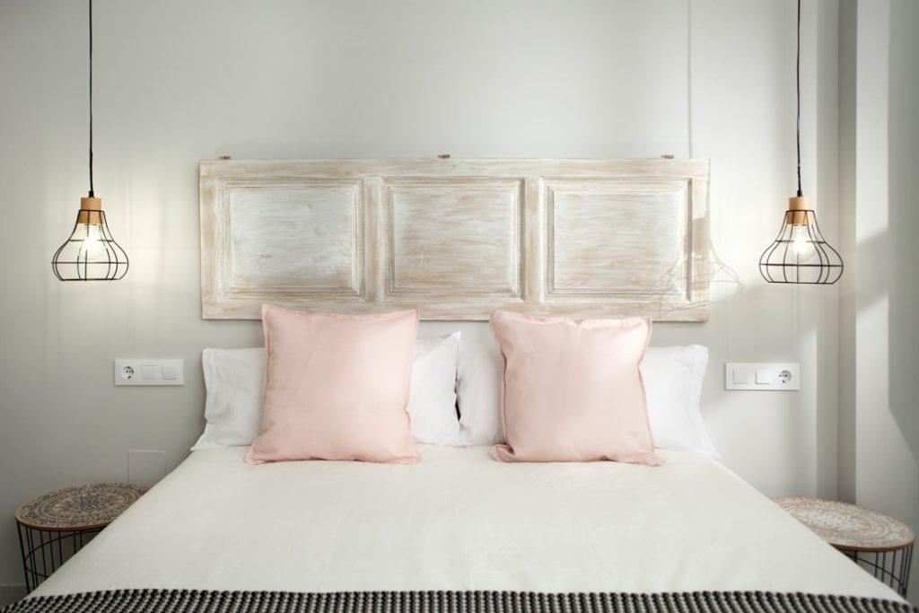 Cabecero de cama, decoración en dormitorio, andreas grunau, decoración de interiores